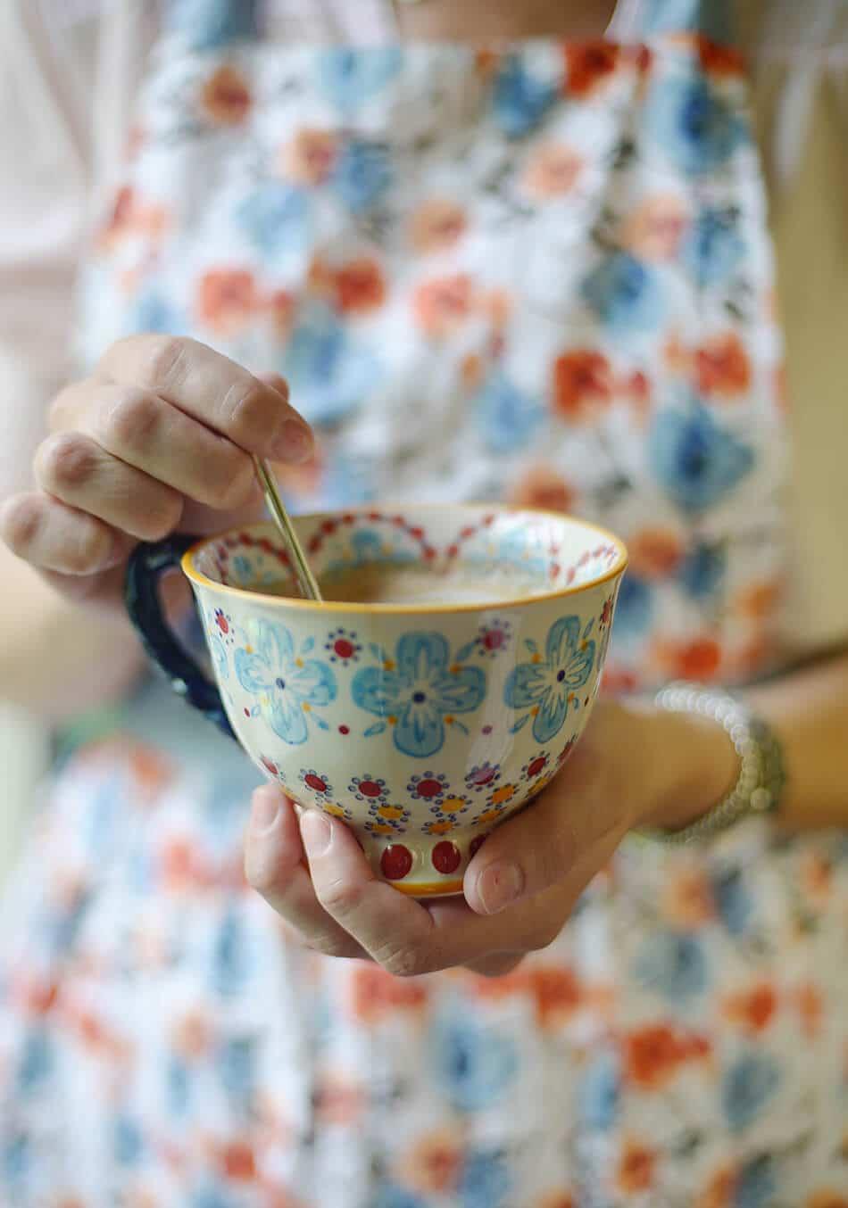 Fulvic chai spice latte